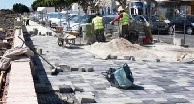 Denuncia de incumplimiento de la jornada intensiva en la construcción en Benalmádena