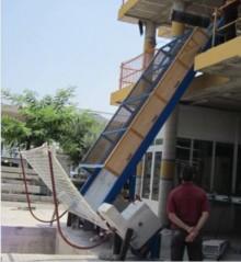 Sistema de protección colectiva para obras de construcción en superficies de trabajo inclinadas