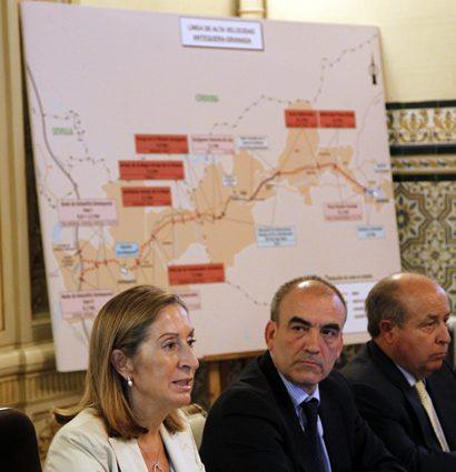 Pastor anuncia que la alta velocidad llegará a Granada en 2015