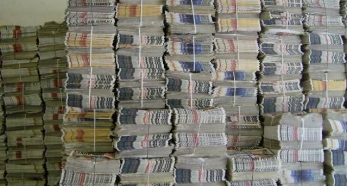 Convierten periódico en material de construcción