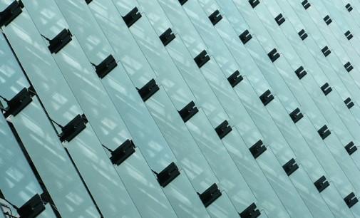 Las universidades Carlos III y UPM desarrollan un modelo que incorpora paneles solares para calefacción y aire acondicionado