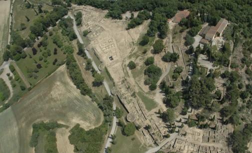 Presentación del descubrimiento del foso defensivo de la ciudad ibérica del Puig de Sant Andreu (Ullastret)