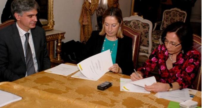 Acuerdo de colaboración con Ecuador para promover el desarrollo de las infraestructuras de transporte con el país centroamericano