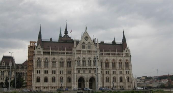 CEMEX participa en la renovación del histórico Parlamento de Hungría en Budapest