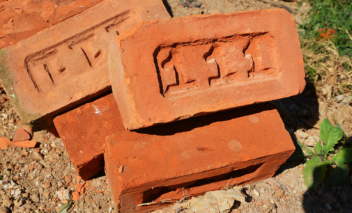 Ladrillos con alta resistencia a partir de residuos de construcción