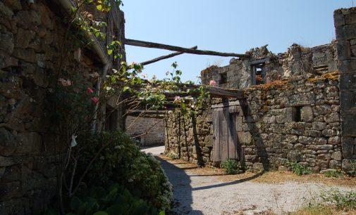 Concurso para la rehabilitación de edificaciones tradicionales de Fondodevila del Concello de Parada de Sil