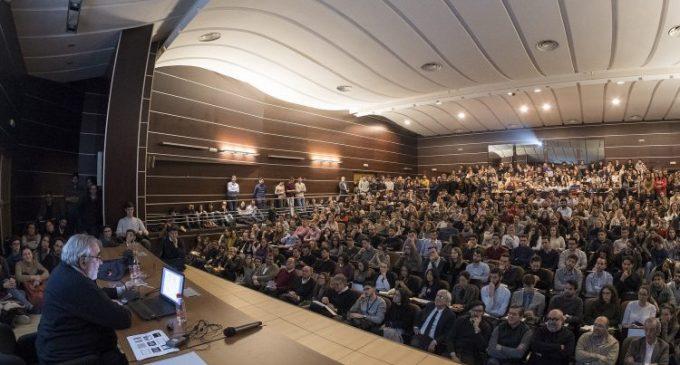 Lleno absoluto del Foro Internacional de Arquitectura y Diseño de CEVISAMA