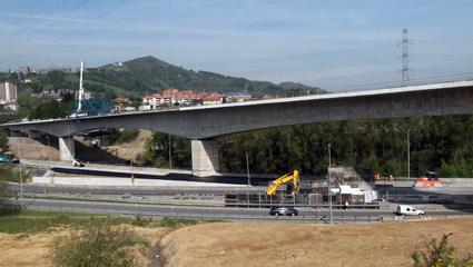 Adif finaliza la construcción del viaducto sobre el río Nervión (Bizkaia)