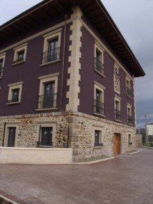 Maixi Maruri San Vicente tercer premio de la I Edición del Premio ¨Edificios Urbanos Sostenibles 2013¨