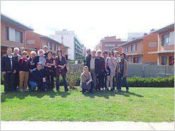 Un grupo de 17 arquitectos canadienses visita la ecociudad de Sarriguren